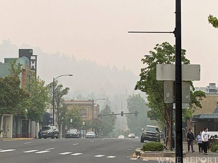 オレゴンの山火事、アーバン・ワイナリーが焼失